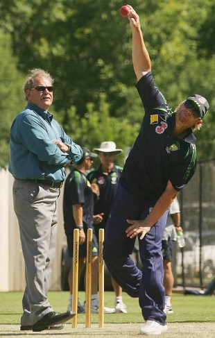 Terry Jenner watches Shane Warne bowl in the nets, Adelaide Oval, November 30, 2006