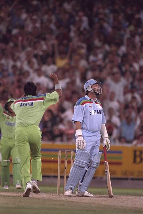 Wasim Akram removes Ian Botham in the 1992 World Cup final | Cricket Photo