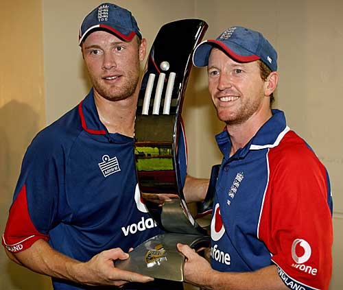 Andrew Flintoff and Paul Collingwood hold the CB Series trophy
