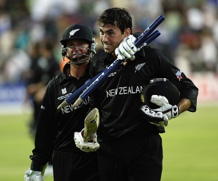 Stephen Fleming and Nathan Astle troop off after a remarkable victory, South Africa v New Zealand, 15th match, World Cup, Johannesburg, February 16, 2003