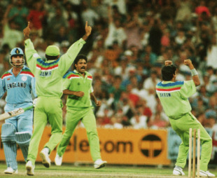 Wasim Akram swung it Pakistan's way in Melbourne