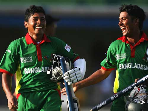Mushfiqur Rahim and Mohammad Ashraful bask in the glory of the victory.