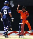 Dougie Brown gets a good one early on, and is trapped in front of the stumps, Netherlands v Scotland, Group A, St Kitts, March 22, 2007