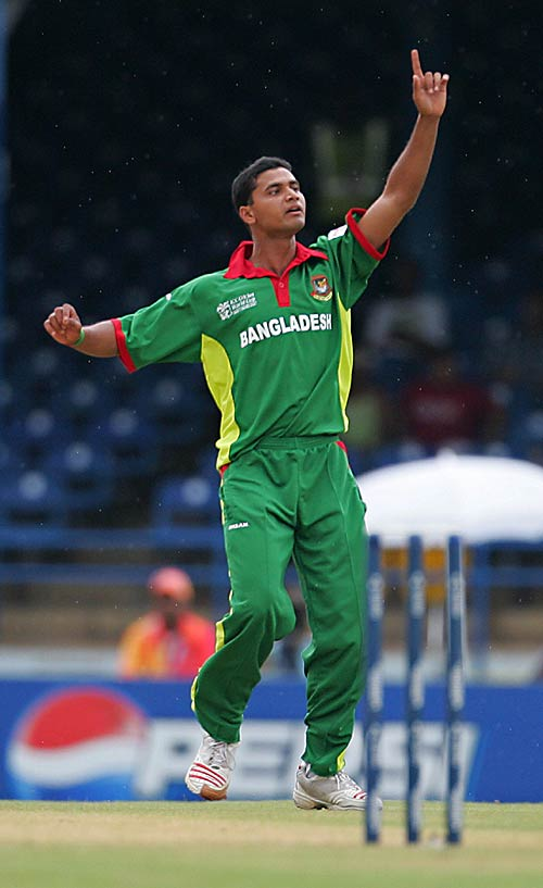 Mashrafe double strike put Bangladesh in command in Trinidad.