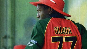 Henry Olonga wears a black armband