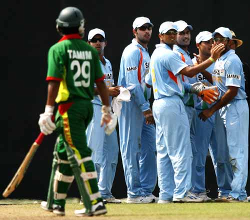 Bangladesh seek redemption but wash-out looms