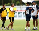 Rahul Dravid and Ravi Shastri discuss the rain-abandonded match with Dav Whatmore and Habibul Bashar
