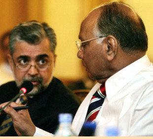 Nasim Ashraf, chairman of the Pakistan board, talks to Sharad Pawar, President of the BCCI, during a meeting of the four countries that are hosting the 2011 World Cup in Bhurban, June 18, 2007