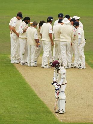 Shivnarine Chanderpaul fights a lone hand as West Indies crumble, England v West Indies, 4th Test, Chester-le-Street, June 19, 2007