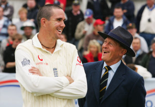 Kevin Pietersen and Geoffrey Boycott have a laugh during the post-match presentation, England v West Indies, 4th Test, Riverside, 5th Day, June 19, 2007