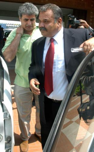 Dav Whatmore departs after being interviewed for the Pakistan coaching job, Lahore, June 21, 2007
