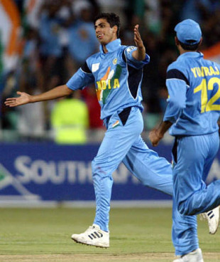 Ashish Nehra: a lesson in the art of seam bowling