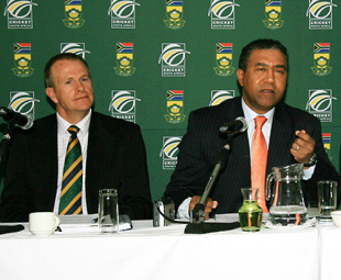 Tony Irish, the CEO of the SACA and Norman Arendse, the president of CSA