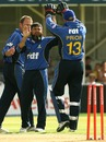 Mushtaq Ahmed celebrates the fall of Martin van Jaarsveld