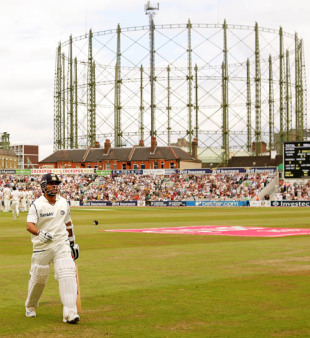 Sachin Tendulkar walks back after what could be his last Test innings in England, England v India, 3rd Test, The Oval, 4th day, August 12, 2007