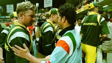 Shane Warne greets Sachin Tendulkar