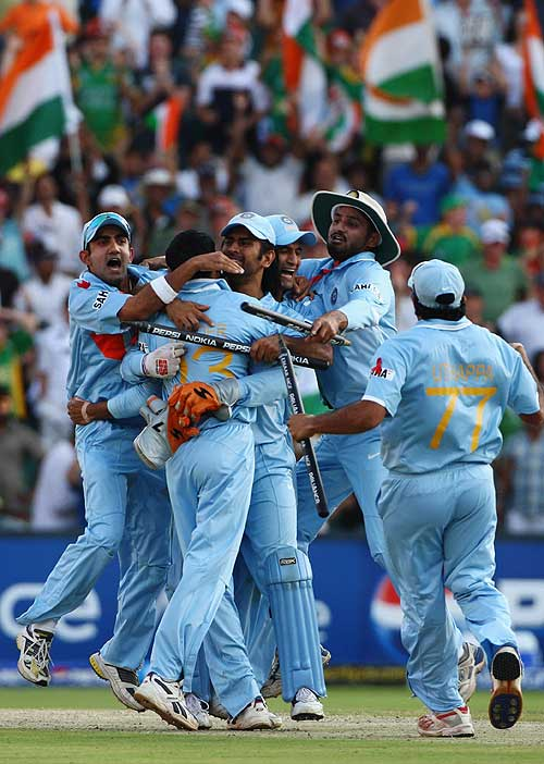 India celebrate victory at the end of the ICC World Twenty20 final, Johannesburg, September 24, 2007