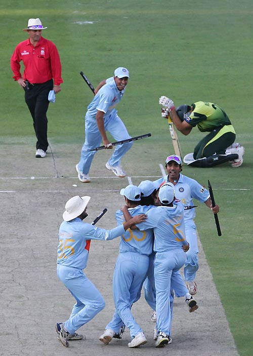 The winning moment - Misbah-ul-Haq rues his luck as the Indians celebrate, India v Pakistan, ICC World Twenty20 final, Johannesburg, September 24, 2007
