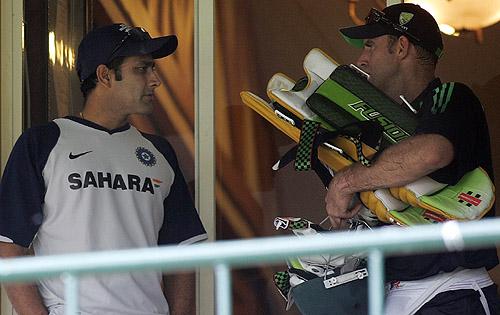Anil Kumble has a chat with Matthew Hayden, India v Australia ODI series, M Chinnaswamy Stadium, Bangalore, September 27, 2007