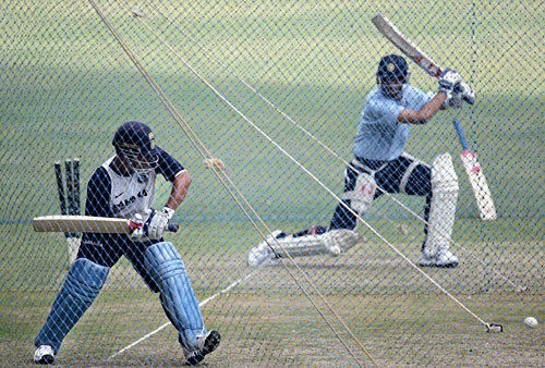 The old guard: Sachin Tendulkar and Rahul Dravid in the nets, Bangalore, September 27, 2007