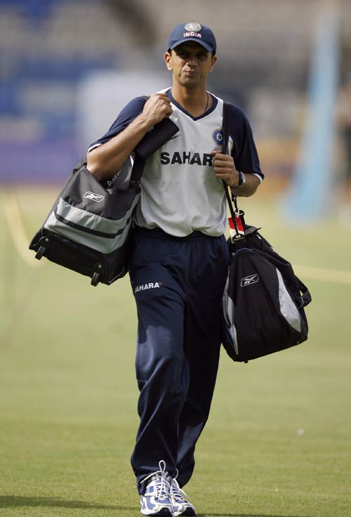 Rahul Dravid arrives for a training session at the Chinnaswamy Stadium, India v Australia ODI series, M Chinnaswamy Stadium, Bangalore, September 28, 2007
