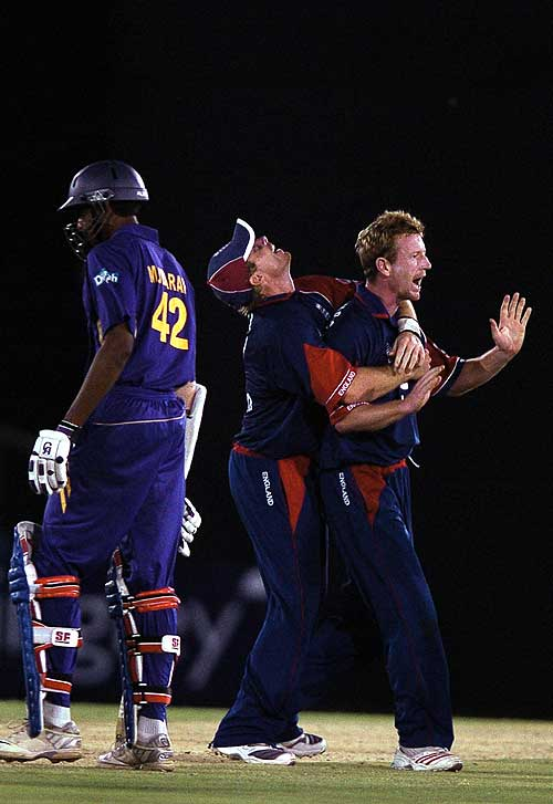 Paul Collingwood and Ian Bell celebrate as Mahela Jayawardene falls, Sri Lanka v England, 2nd ODi, Dambulla, October 4, 2007