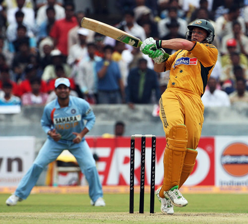 Adam Gilchrist pulls during his 29, India v Australia, 3rd ODI, Hyderabad, October 5, 2007