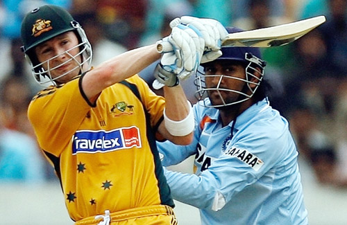Michael Clarke pulls en route to his 59, India v Australia, 3rd ODI, Hyderabad, October 5, 2007