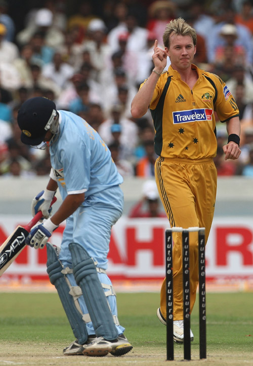 Brett Lee dismisses Gautam Gambhir early in Indias chase, India v Australia, 3rd ODI, Hyderabad, October 5, 2007