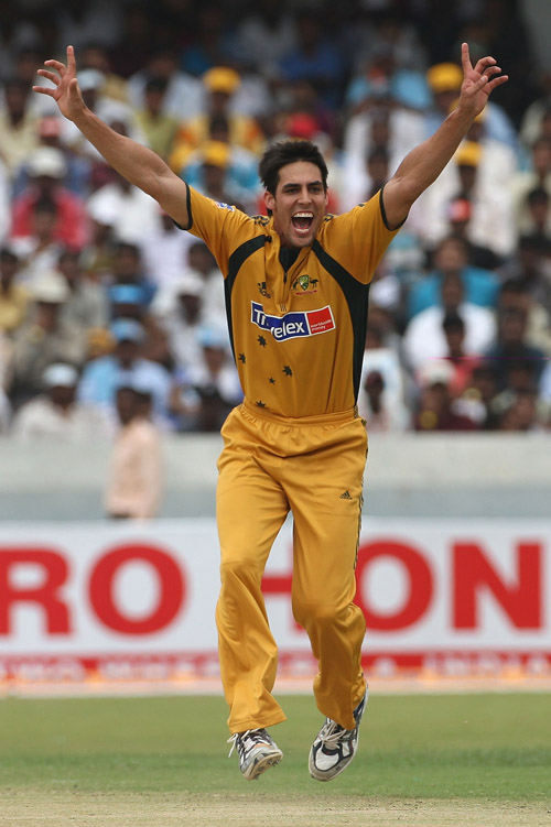 Mitchell Johnson makes a successful lbw appeal against Robin Uthappa, India v Australia, 3rd ODI, Hyderabad, October 5, 2007