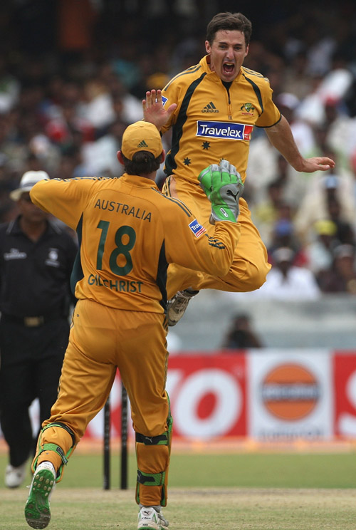 Brad Hogg is exhilarated after removing Sachin Tendulkar, India v Australia, 3rd ODI, Hyderabad, October 5, 2007