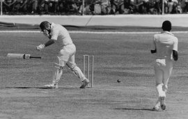 Mike Gatting is hit by a bouncer by Malcolm Marshall, West Indies v England, 1st ODI, Jamaica, February 18, 1986