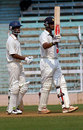 Rahul Dravid raises his bat after crossing 200, Mumbai v Karnataka, Ranji Trophy Super League, Group A, 1st round, 4th day, Mumbai, November 6, 2007