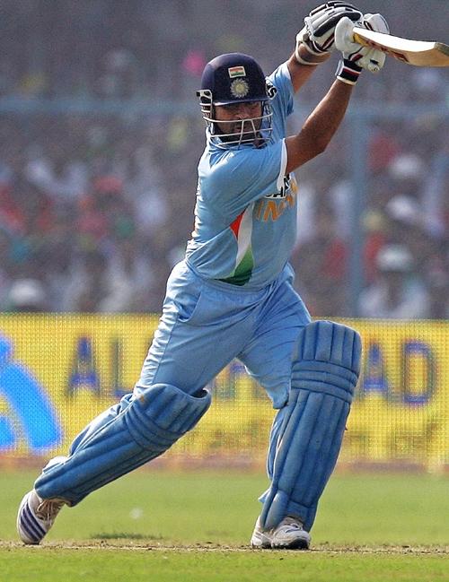 Sachin Tendulkar plays a cover drive during his 29 ... Sachin Tendulkar Cover Drive