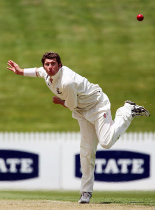 Left-arm spinner Bruce Martin in action against Wellington, Northern Districts v Wellington, State Championship, 2nd day, Hamilton, November 13, 2007