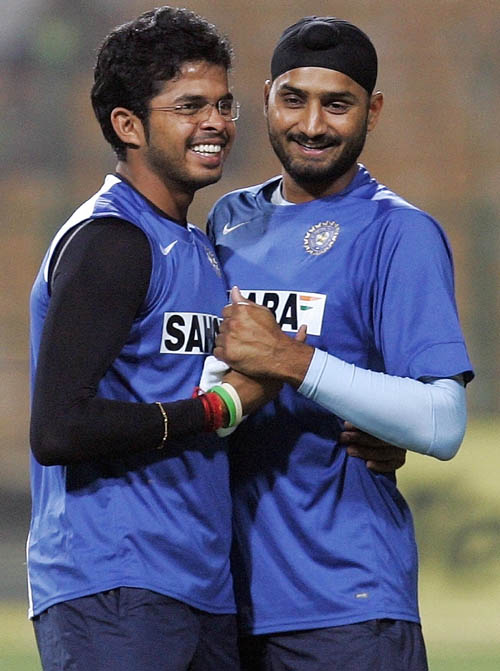 Sreesanth and Harbhajan Singh share a light moment during practice, Gwalior, November 14, 2007