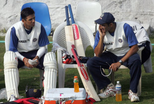 Past and present: Anil Kumble shares a few words with Rahul Dravid