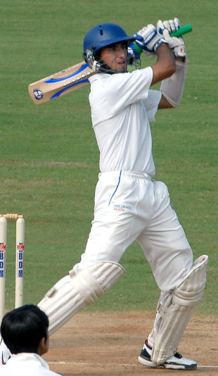 Cheteshwar Pujara was unbeaten on 47 as Saurashtra drew the match after following on, Tamil Nadu v Saurashtra, Ranji Trophy Super League, Group A, 4th round, 4th day, Chennai, December 4, 2007