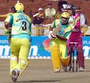 Tejinder Pal Singh and Manish Sharma put on 70 runs for the Chandigarh Lions, Chandigarh Lions v Chennai Superstars, 9th match, Indian Cricket League, Panchkula, December 8, 2007