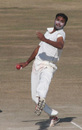 Sumit Mathur in his delivery stride, Himachal Pradesh v Rajasthan, Ranji Trophy Super League, Group A, 7th round, 3rd day, Dharamsala, December 27, 2007