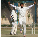 Madhya Pradesh's Sunil Dholpure is ecstatic after taking a wicket, Gujarat v Madhya Pradesh, Ranji Trophy Plate League, 1st semi-final, 3rd day, Karnail Singh Stadium, Delhi, December 27, 2007