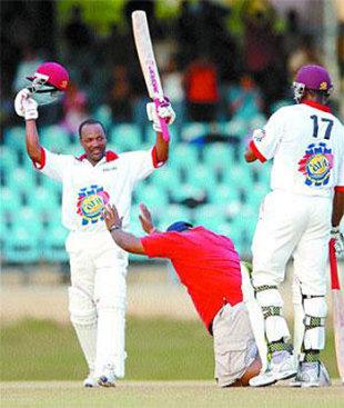 A fan pays homage to Brian Lara as he reaches his hundred, Trinidad & Tobago v  Guyana, Carib Beer Series, Port of Spain, January 5, 2007