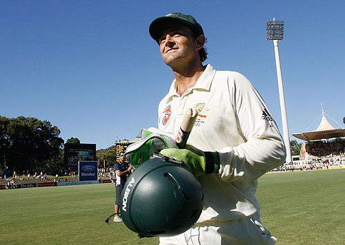 Adam Gilchrist, souvenir stump in hand, leaves Test cricket behind, Australia v India, 4th Test, Adelaide, 5th day, January 28, 2008