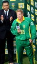Shaun Pollock gives his farewell speech at the Wanderers, 5th ODI, Johannesburg, February 3, 2008