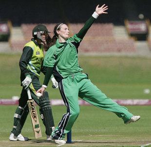 Ireland captain Heather Whelan bowls against Pakistan, Ireland Women v Pakistan Women, ICC Women's World Cup Qualifier, Stellenbosch, February 18, 2008