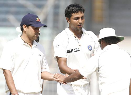 Ashok Thakur and VRV Singh are given a pep talk