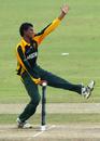 Azhar Attari in his delivery stride, Australia Under-19s v Pakistan U-19s, Under-19 World Cup quarter-finals, Kuala Lumpur, February 25, 2008