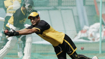 Habibul Bashar pulls off a sharp catch in training