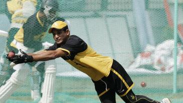 Habibul Bashar pulls off a sharp catch in training