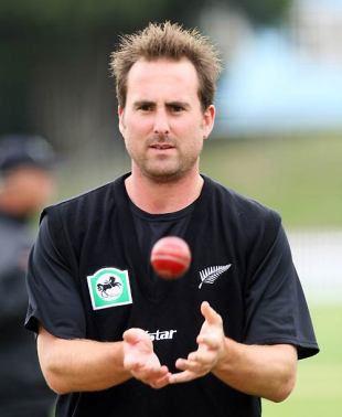 Mark Gillespie catches a ball during training, Wellington, March 11, 2008